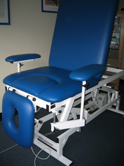KOR Hi/Lo Naturopathic table - seated position